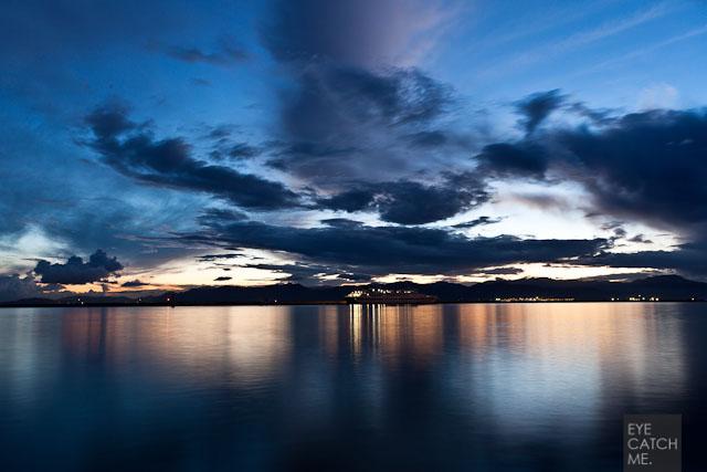 Foto eines Sonnenuntergangs am Mittelmeer auf Sardinien, das Bild wurde von Peoplefotograf EYECATCHME. gemacht