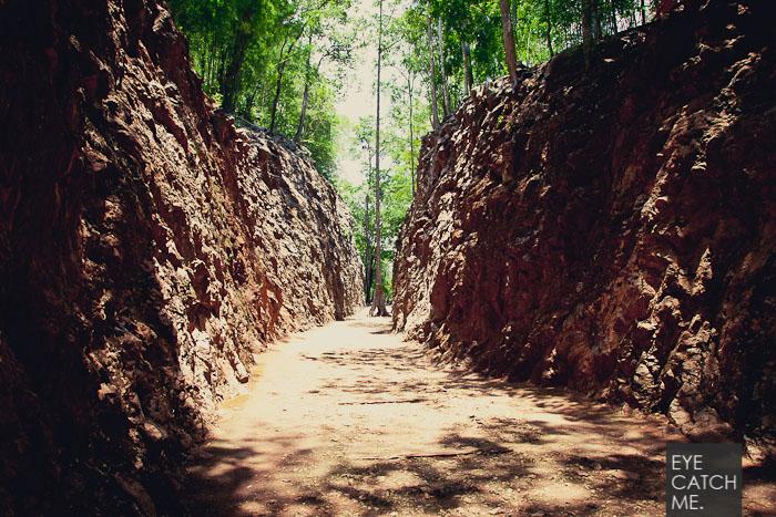 Die Todeseisenbahn führt über einen Pass von Thailand nach Burma